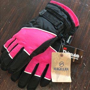 New girls Magellan pink black snowboard ski gloves